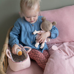 Little Dutch - Rosa baba mózeskosárban