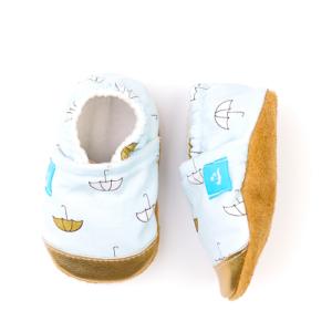 Puhatalpú kiscipő az első lépésekhez – Esernyő