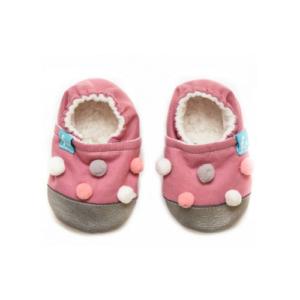 Puhatalpú kiscipő az első lépésekhez – Mályva pompom