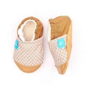 Puhatalpú kiscipő az első lépésekhez – Drapp mozaik